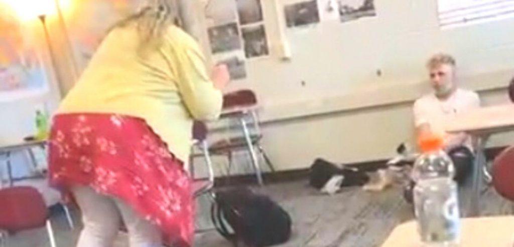 Lehrer beleidigt Schüler